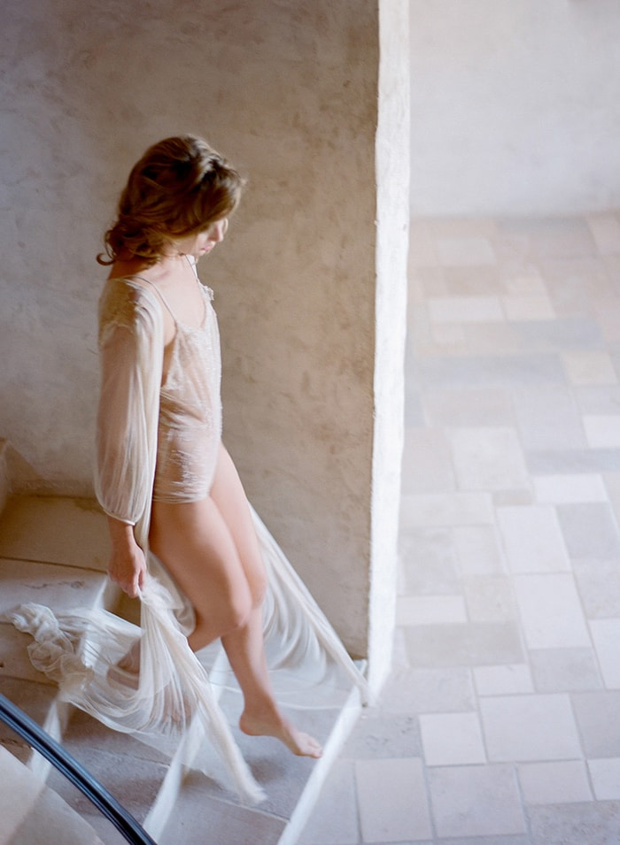 Delicate And Natural Boudoir Photography Inspiration