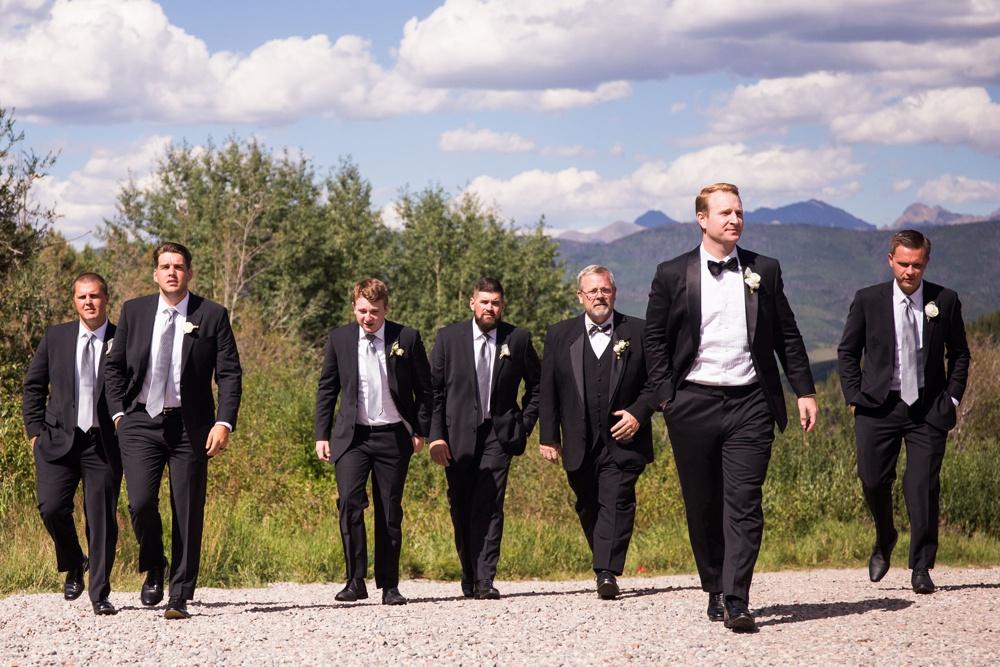 10-beanos-cabin-wedding-photos.jpg
