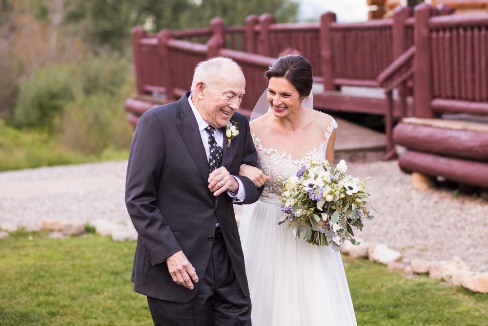 15-beanos-cabin-wedding-photos.jpg