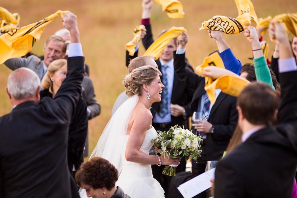 23-beanos-cabin-wedding-photos.jpg