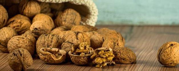 El consumo de nueces puede mejorar la supervivencia de los pacientes con cáncer de colon según un estudio del CALGB
