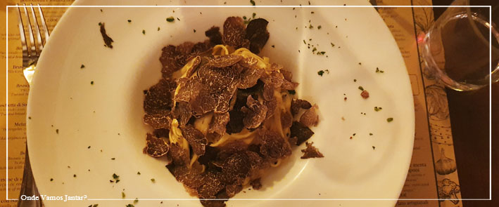 This image has an empty alt attribute; its file name is il-matriciano-restaurante-italiano-cozinha-italiana-pastas-romantico-sao-bento-lisboa-pasta-fresca-al-tartufo-2.jpg