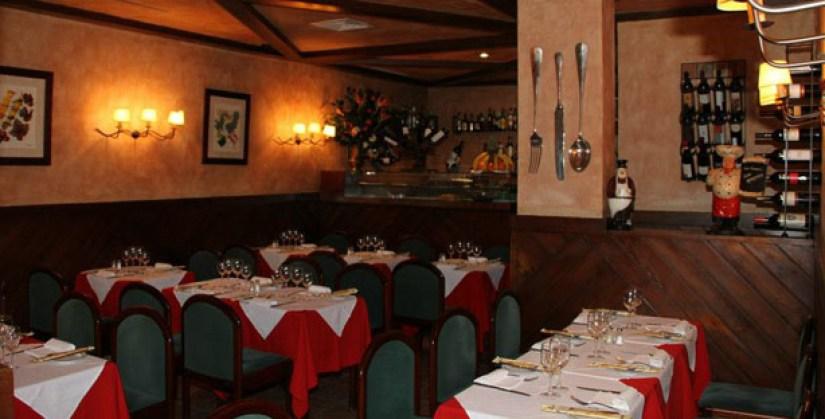 la-campania-restaurante-italiano-pizzas-pastas-bifes-marques-pombal-lisboa-sala