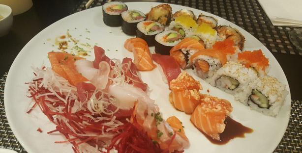 harkos-restaurante-japones-italiano-sushi-sashimi-sintra-combinado-2