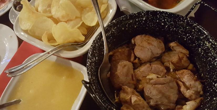 restaurante garrafeira veneza restaurante tradicional comida portuguesa grupos algarve albufeira lombinhos na frigideira