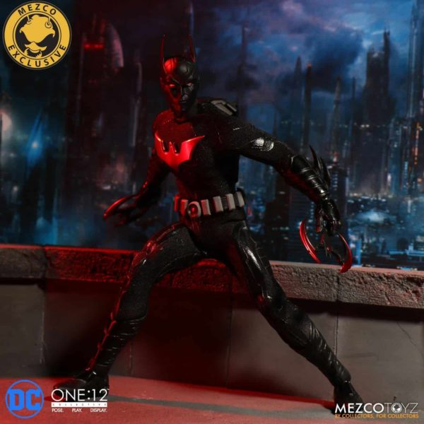mezco-one12-collective-batman-beyond-6
