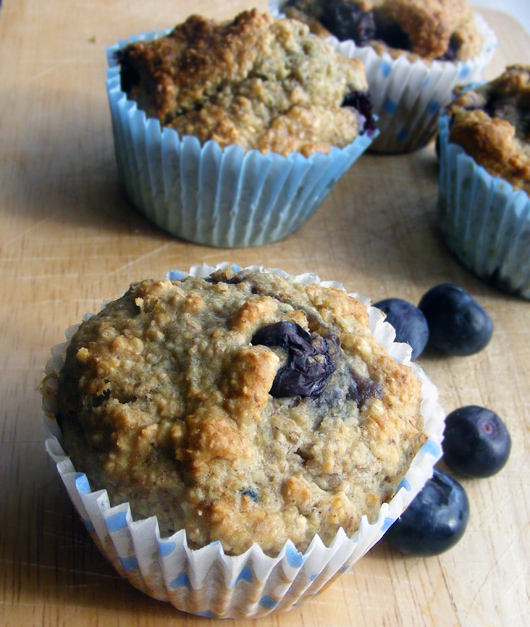 blueberry-oat-bran-muffins-3