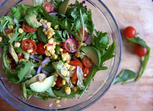 sweetcorn-cherry-tomato-avo-salad