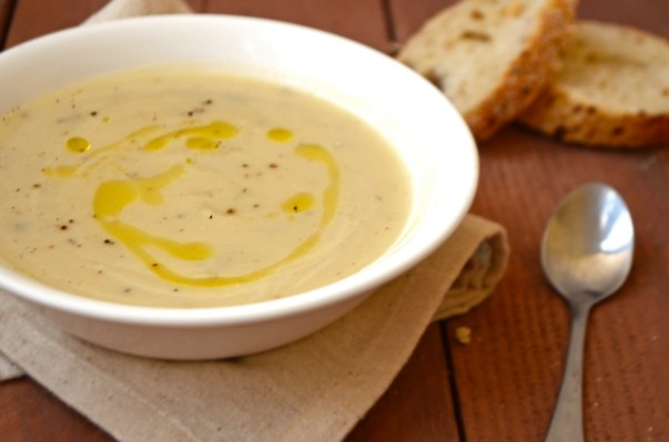 vegan-cauliflower-rosemary-soup-2