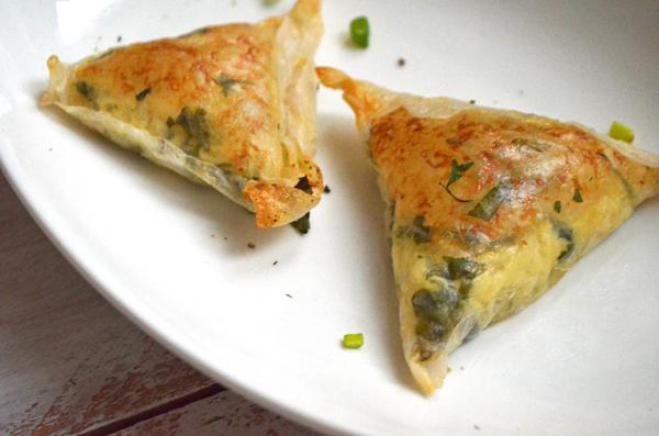 gluten-free-vegan-cheese-samosa -1