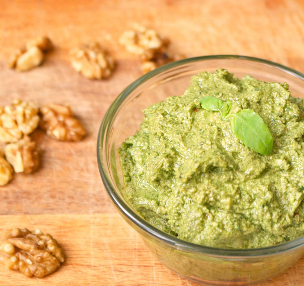vegan-walnut-pesto-2