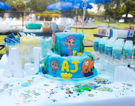LINE UP LINE UP…IT'S BUBBLE GUPPIES PARTY TIME!!