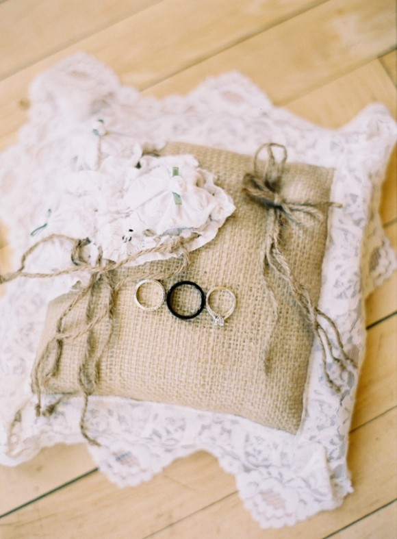 burlap-lace-wedding-pillow