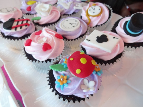 Alice in Wonderland Themed Party - 07
