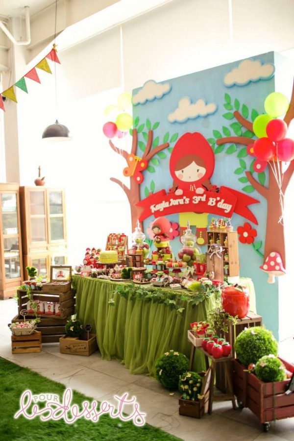 Little Red Riding Hood Party - 36