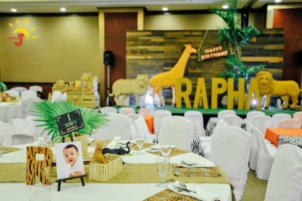 Safari Themed Birthday Party - 42