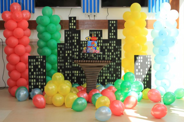 Superheroes Birthday Party - 13