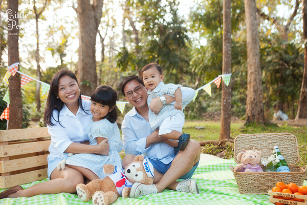 Picnic Themed Pre-Birthday Shoot - 01