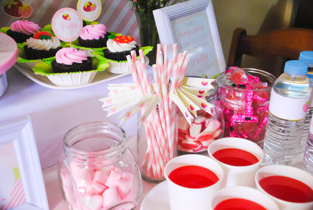 Strawberry Dessert Table - 03