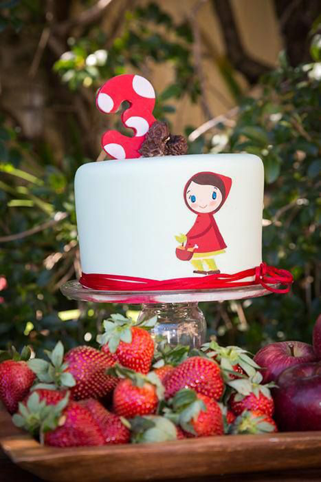little-red-riding-hood-cake-15