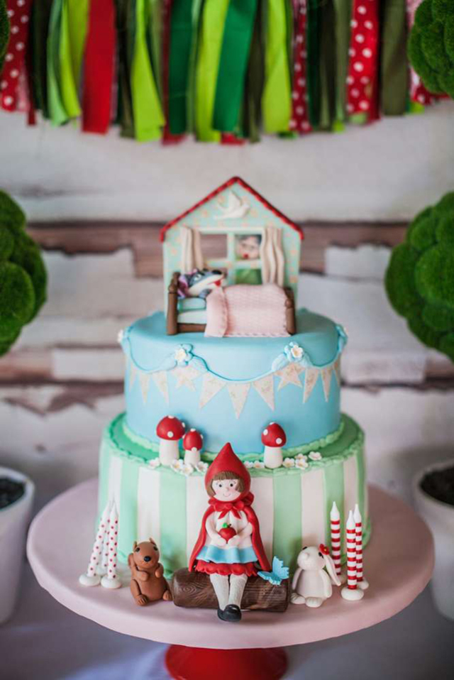 little-red-riding-hood-cake-9