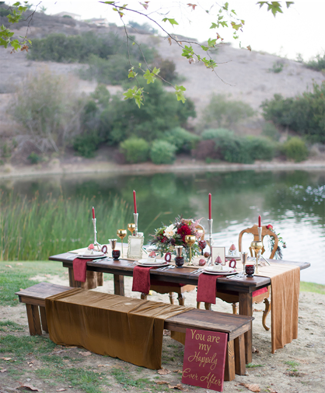 marsala wedding table setup