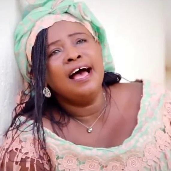 Mama Esther - Goliath Beko