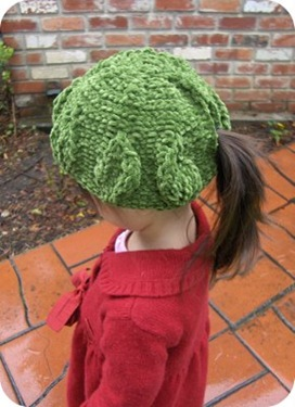 How to Knit a Cap with Ponytail Hole