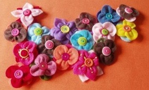 How to Make Felt Flower Clips
