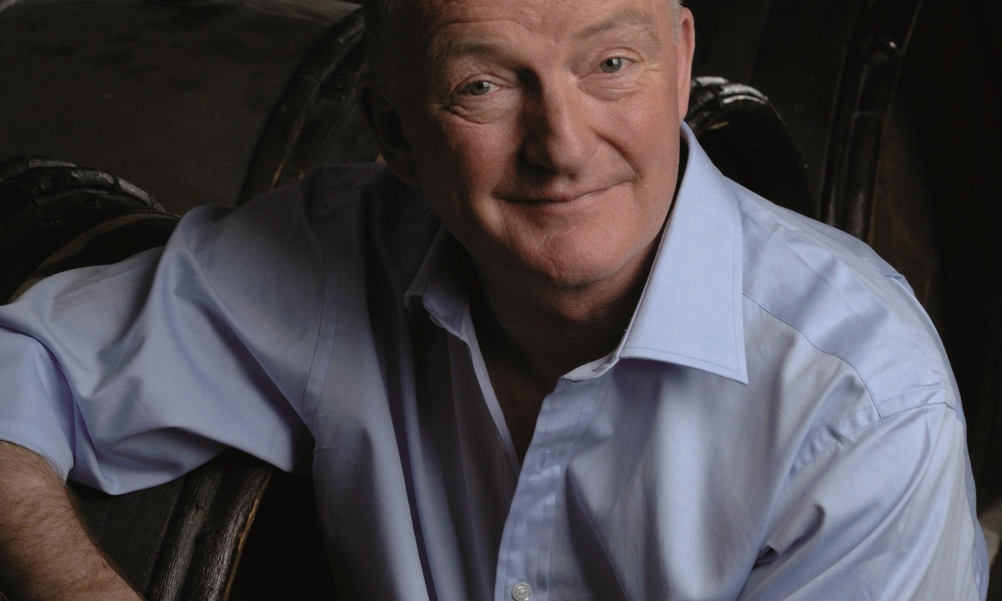 Oz Clarke wine critic