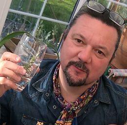 Spitfire Heritage Gin Ian Hewitt