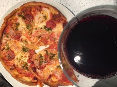 this sangiovese loves pizza Aldi wine