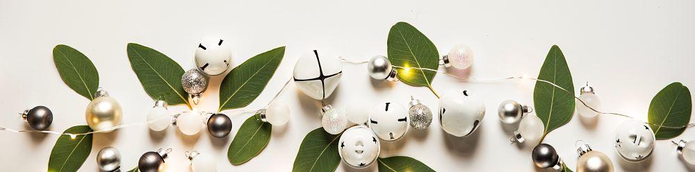 christmas wines white Photo by Joanna Kosinska on Unsplash Photo by Joanna Kosinska on Unsplash