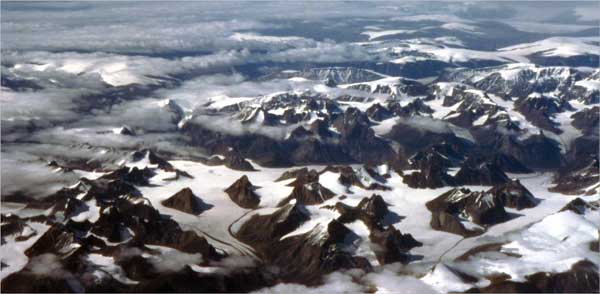 Valley glaciers with nunataks (mountains that poke out of the ice) near Narsarssuaq, southern Greenland. © Richard Burt
