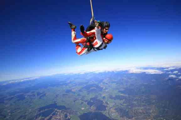 skydive-at-nz075