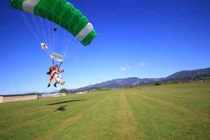 skydive-at-nz192