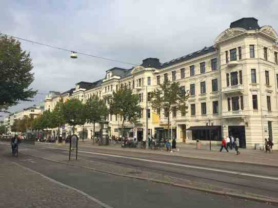 Exploring beautiful Gothenburg before a weekend of sailing | Renting a sailboat on Airbnb (with captain) & sailing in the Gothenburg archipelago was one of the most unique travel experiences I've ever had. All about our trip, how we found the boat, and why you should consider sailing in Sweden | Sweden itinerary planning, how to plan your trip to Gothenburg