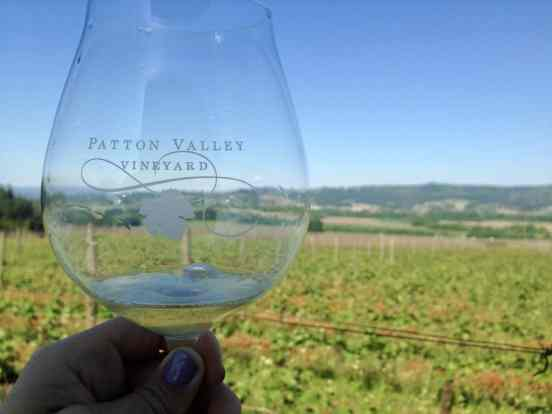 Willamette Valley...wineries to visit, where to eat, how to plan your trip   Everything you need to know for a visit to the Willamette Valley, Portland itinerary, wine weekend in Oregon, the perfect girls' trip #willamette #wineries #oregon
