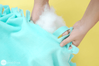 """How To Make A Comfy, No-Sew Pet Bed For Your """"Best Friend"""""""