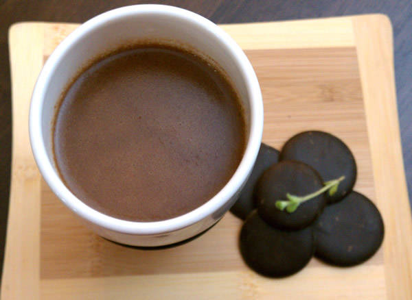 Slow Cooker Kahlua Mint Hot Chocolate