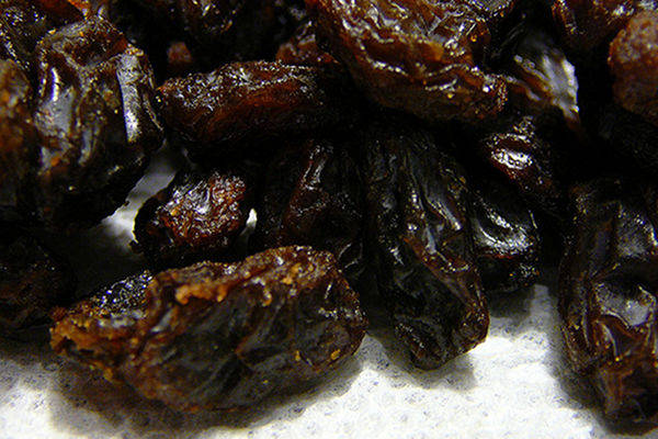 Raisins as Effective as Sports Chews for Fueling Workouts