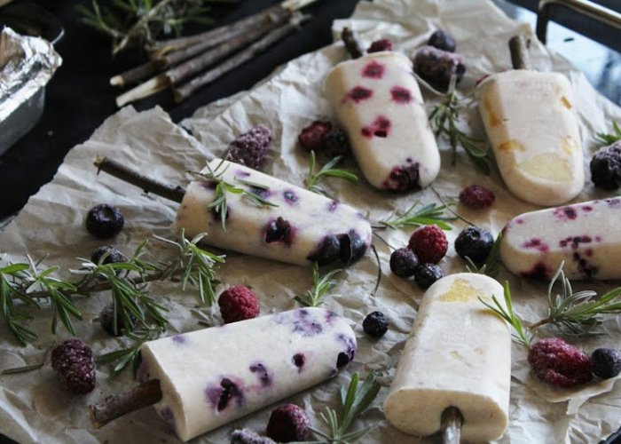 Recipe: Raw Fruit Popsicles with Coconut Milk