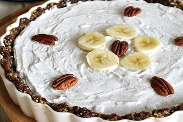 Raw-Chocolate-Banana-Pie-with-Whipped-Coconut-Cream