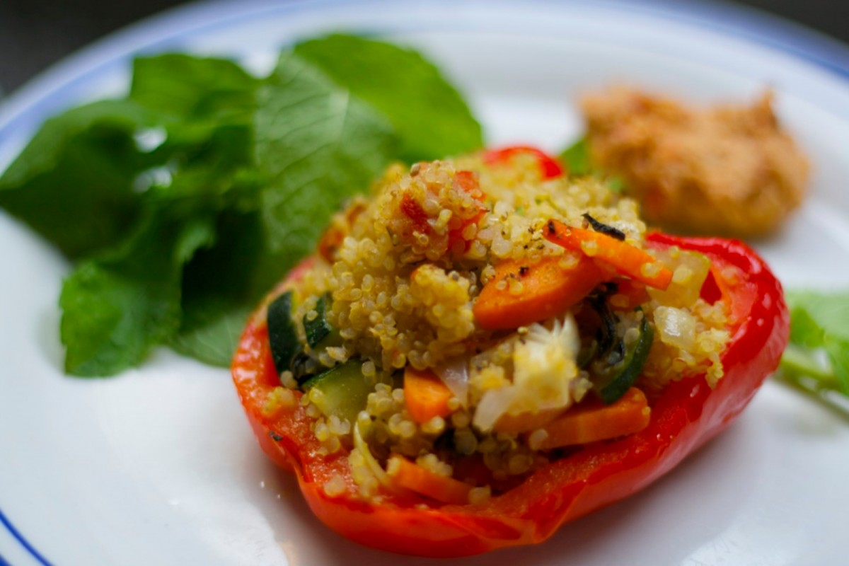 Quinoa-Stuffed-Bell-Peppers-Vegan-1200x800