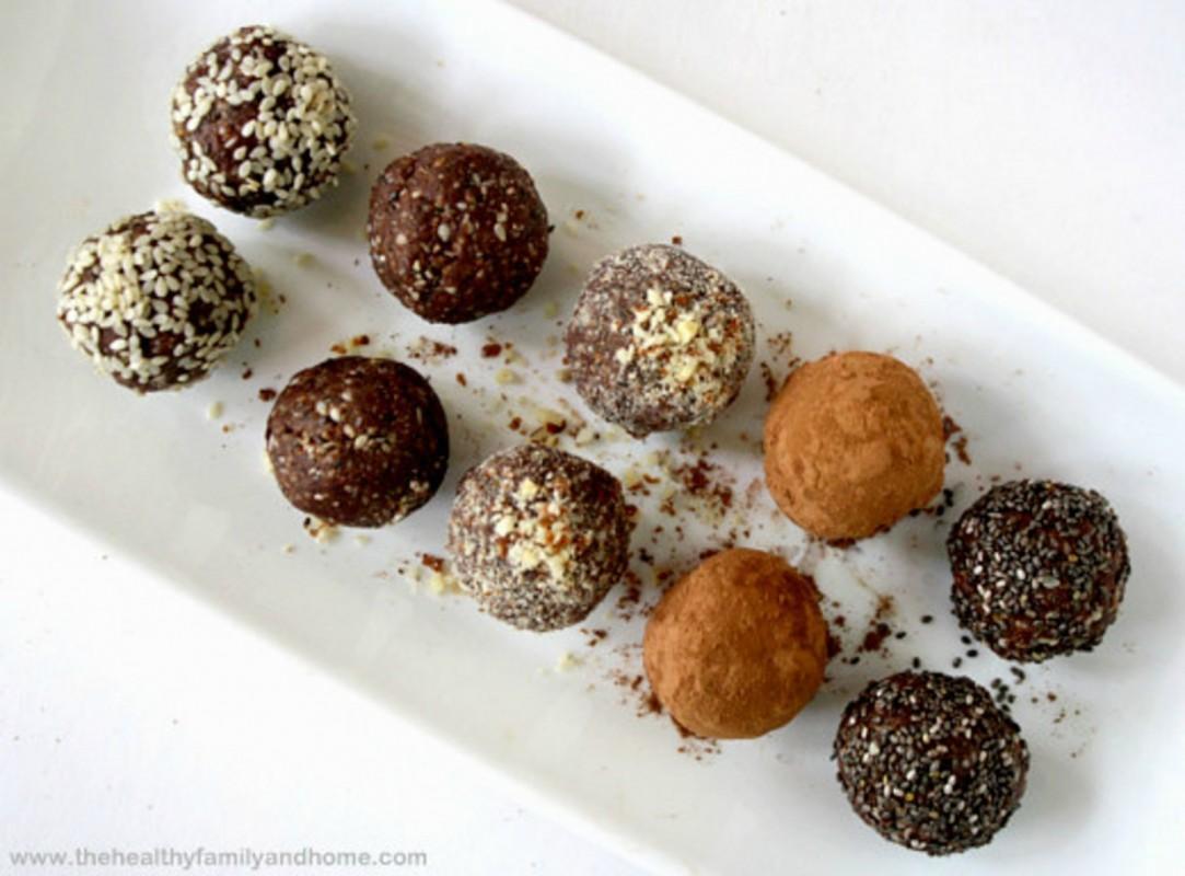 Raw-Protein-Balls1-1083x800