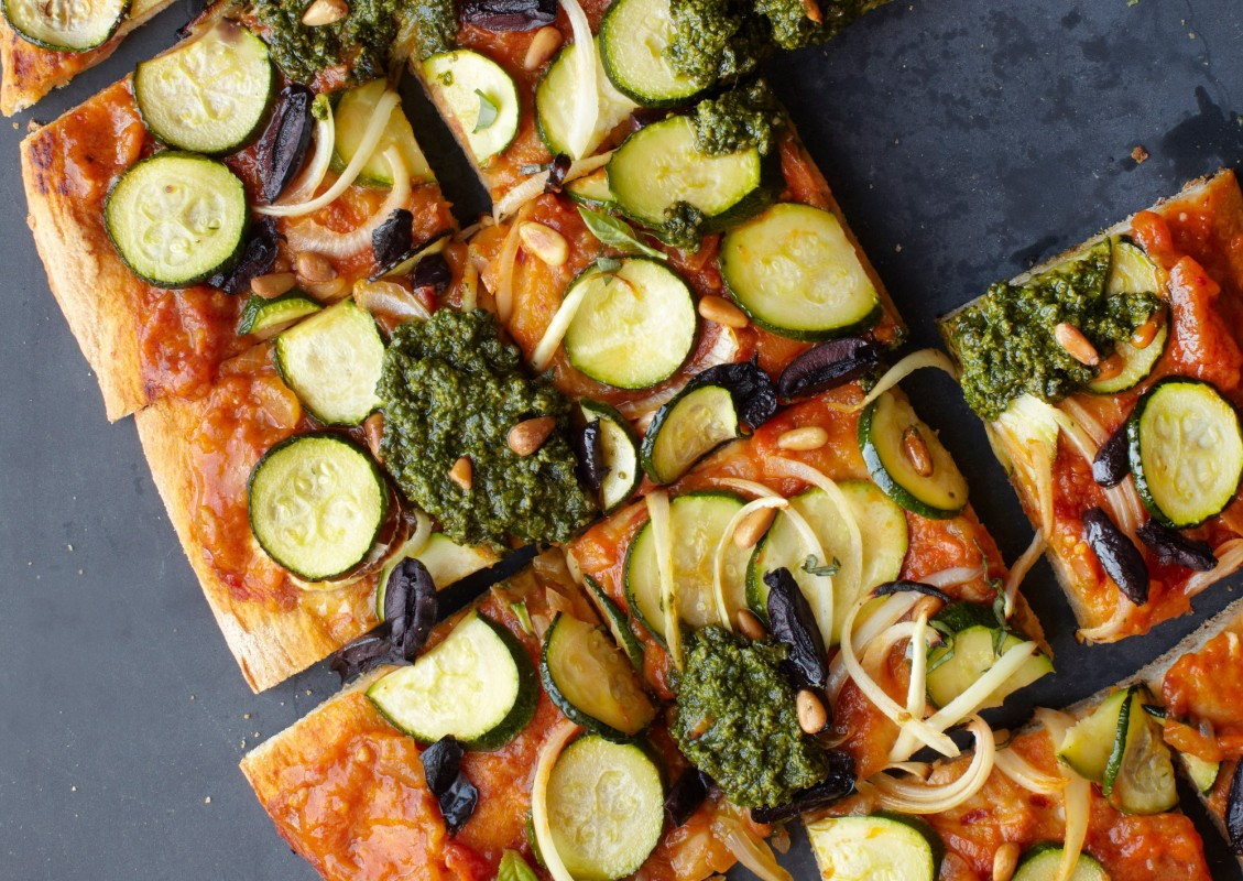 Straight-from-the-Earth_Summer-Pesto-Pizza-1129x800 (1)