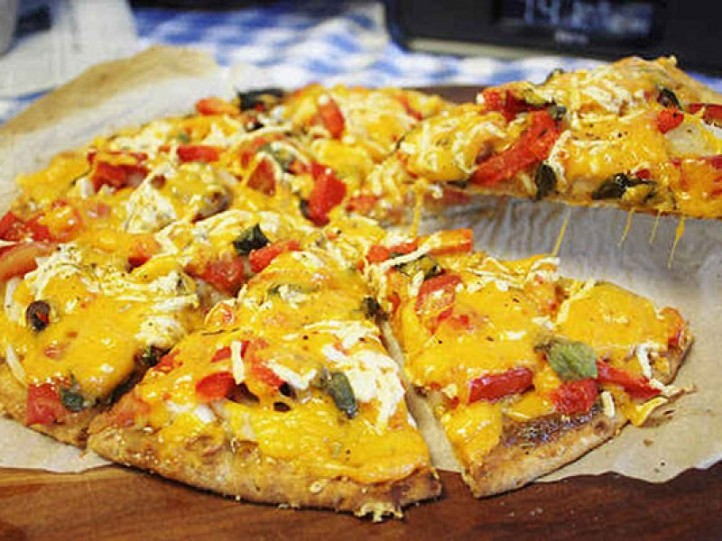 Three-Cheese-Vegan-Pizza (1)