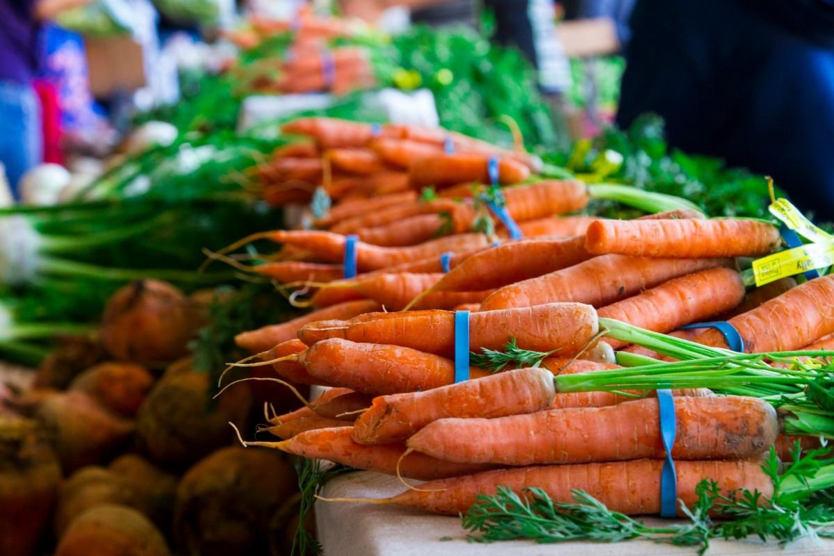 carrots-1200x800