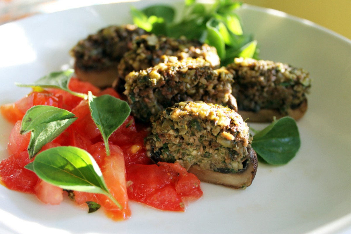 Try these 5 fuss free raw food dinner ideas that anyone can make when mushrooms are marinated and dehydrated they create a hardy meal that can be paired with salad for a super healthy and filling raw food dinner forumfinder Choice Image
