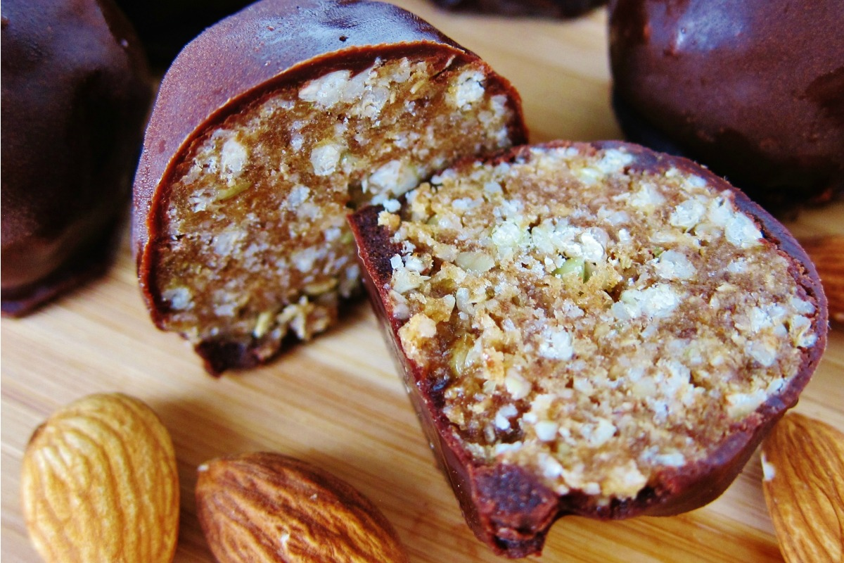 Raw Almond Maple Crunch Truffles [Vegan, Raw, Gluten-Free]